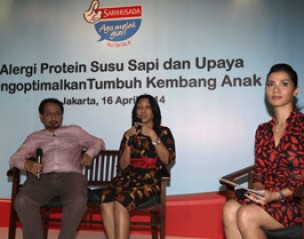 <strong>Diskusi Nutritalk dengan tema Alergi Protein Susu Sapi Bukan Penghalang Tumbuh Kembang Anak,</strong>